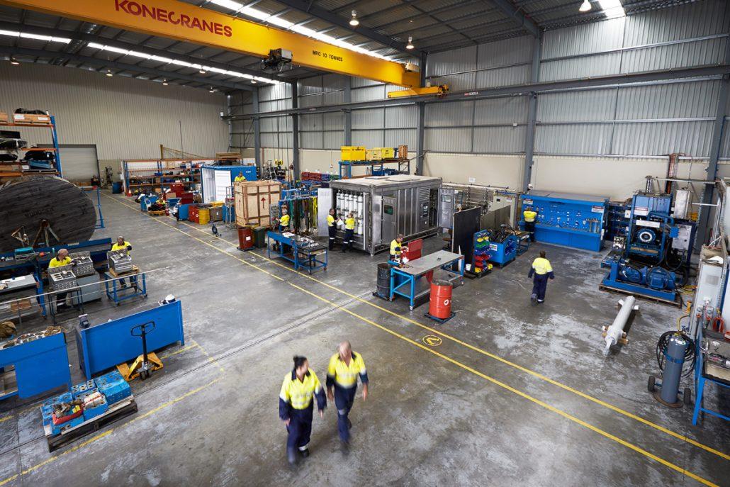 کارگاه نیمه صنعتی و امکانات تولیدی مواد پلیمری